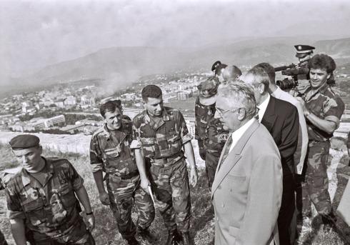 Gotovina (centro) con Tudjman en Knin durante Operación Oluja 1995